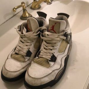 Jordan retro cement 4 size 10